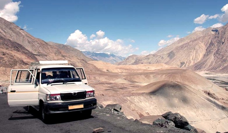 Jeep Safari Tour to Himalayan
