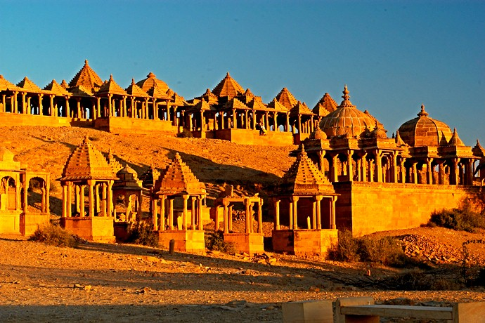 Incredible Forts & Palaces Tour