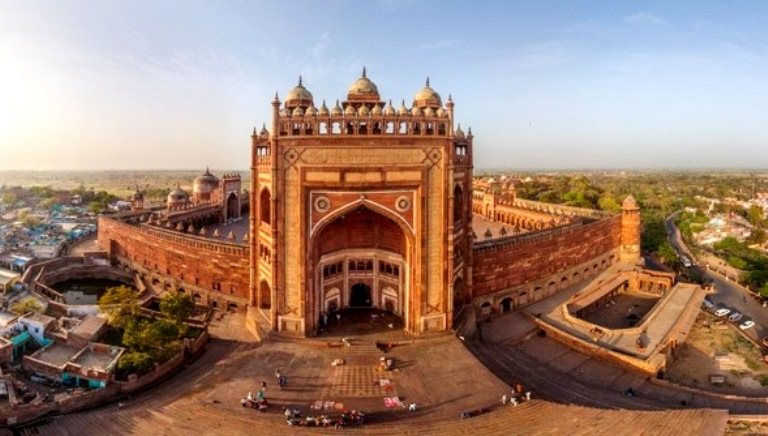 Famous Monuments in Agra | Taj Mahal Timings & Entrance Fees
